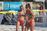 Z beachvolejbalového turnaje žen v Nymburce na Remanenci