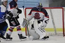 Hokejisté Poděbrad hostili v prvním kole soutěže na svém ledě Vlašim