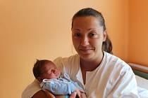 DOMINIK  JE NOVÝ BRÁŠKA TŘÍ SOUROZENCŮ. DOMINIK OVČANSKÝ se narodil mamince Lucii 5. září 2017 ve 12.14 hodin. Vážil 3 930 g a měřil 51 cm. Domů do Odřepes  je oba odvezl tatínek Josef  za Karolínkou (14), Gabrielkou (11) a osmiletým Vladimírem.