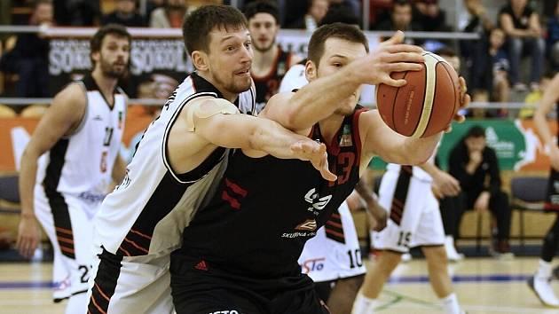 Z basketbalového utkání Kooperativa NBL Hradec Králové - Nymburk (80:117)