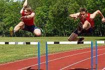 VYRAZÍ NA ŠAMPIONÁT. Mladí nymburští atleti Lukáš Hodboď (vlevo) a Vít Müller se nominovali na mistrovství Evropy, které se uskuteční ve Švédsku