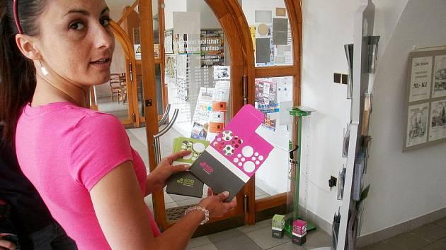 V TIC Poděbrady najdete kontejner na zpětný odběr baterií i krabičky na doma.