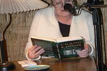 Nonstop čtení v poděbradské čajovně