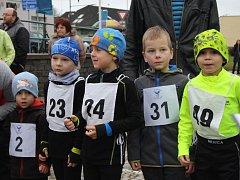 O Silvestru běhali uličkami Lysé dospělí i děti