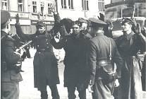 Unikátní fotografie z nymburského náměstí během osvobození