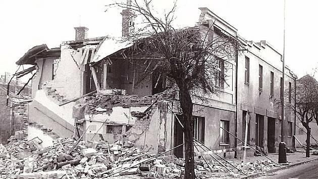 Demolice v Husově ulici.