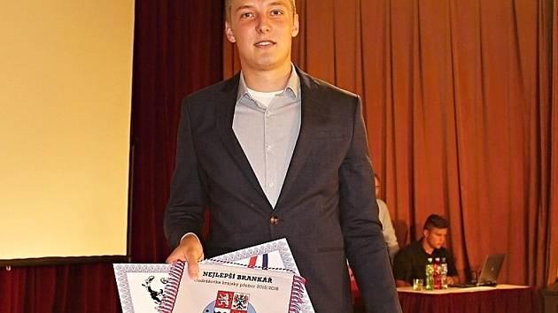 PATRIK MALINA, brankář Ostré, byl vyhlášen nejlepším brankářem krajského přeboru