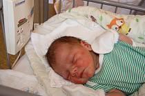 DAVÍDEK JE TU! DAVID MALENICKÝ přišel na svět 27. srpna 2017 v 9.33 hodin. Z kloučka s mírami 3 460 g a 50 cm jsou nadšení nejen maminka Martina a táta Michal, ale také velký bráška Lukáš  (16). Nymburská rodina věděla předem, že přibude další synek.