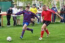 Ze zápasu I.B třídy Loučeň - Rejšice (1:1).