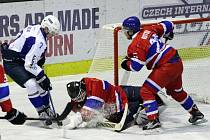 Z hokejového utkání druhé ligy Nymburk - Kolín (2:8
