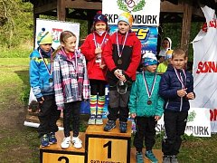 STUPNĚ VÍTĚZŮ patřily při nymburském čtvrtém ročníku aquatlonu také členům atletického oddílu SKP.