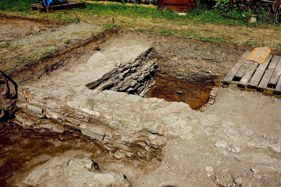 Archeologové na Rejdišti