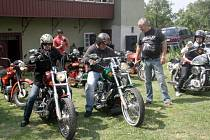 Motoristické setkání na činěveské faře