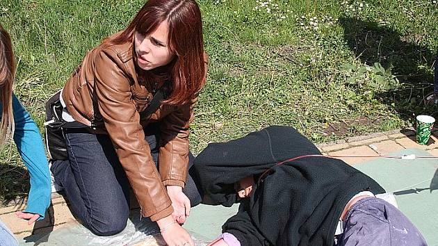 Soutěž první pomoci v nymburském Parku Pod hradbami