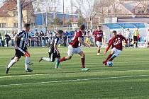 Z fotbalového utkání krajského přeboru Bohemia Poděbrady - Hřebeč 2:0