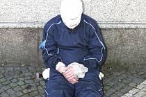 Lupič krátce po zatčení.