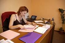 Martina Brüxová v milovické poradně pro oběti násilí.