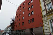 Hned, jak zmizí lešení a budova bude zateplena, začne se stavební přípravou pro přesun pečovatelské služby.
