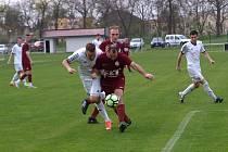 Z fotbalového utkání okresního přeboru Bohemia Poděbrady B - Jíkev (0:1)