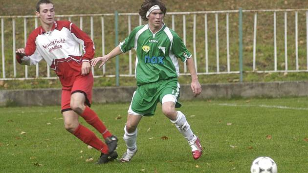 Fotbalisté Polabanu Nymburk prohráli v dohrávce na trávníku Spartaku Příbram. Jediný gól hostů dal Tomáš Friedel (vpravo)
