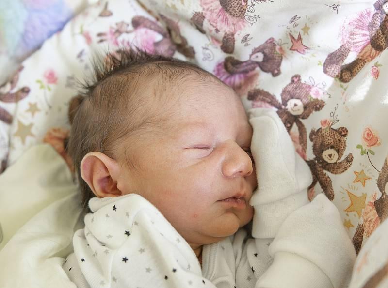 Viktorie Gáborová se narodila v nymburské porodnici 21. září 2021 v 6:43 s váhou 3050 g a mírou 47 cm. V Čelákovicích bude holčička bydlet s maminkou Lucií, tatínkem Davidem a sestřičkou Sofií (8 let).