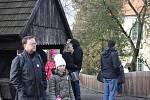 Vánoční výstava nalákala o víkendu do skanzenu stovky lidí.