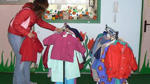 Na burzu dětského a těhotenského oblečení mohou zájemci vyrazit příští týden do Poděbrad