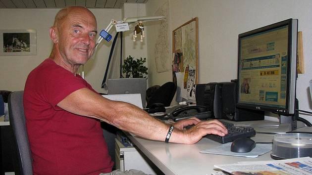 Bohumír Miroslav Ropek při on-line rozhovoru v redakci Nymburského deníku