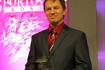 VÍTĚZEM v kategorii jednotlivci dospělý se v anketě O nejúspěšnějšího sportovce Nymburska pro rok 2015 stal silový trojbojař Sokola Nymburk Karel Ruso