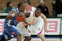 Z basketbalového střetnutí Mattoni NBL Nymburk - Ostrava (129:61)