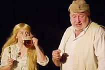 Muzikál Postřižiny v nymburském pivovaru.