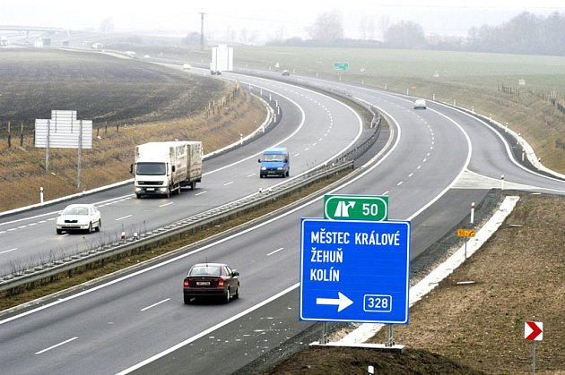Dálnice na Hradec slouží už rok.