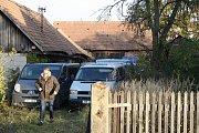 Kriminalisté se ke stodole do Záhornic po hrůzném nálezu v roce 2013 několikrát vrátili.