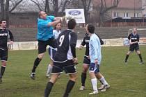 Z fotbalového utkání krajského přeboru Bohemia Poděbrady - Dlouhá Lhota (0:0)