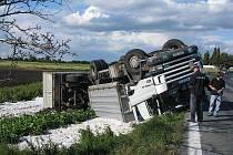 Kamion havaroval mezi Senicemi a Okřínkem