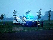Řidič dodávky, který nečekaně přejel do protisměru a čelně se srazil s kamionem Mercedes, na místě zemřel.