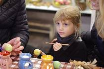Ve skanzenu si děti mohou vyzkoušet také různá řemesla.