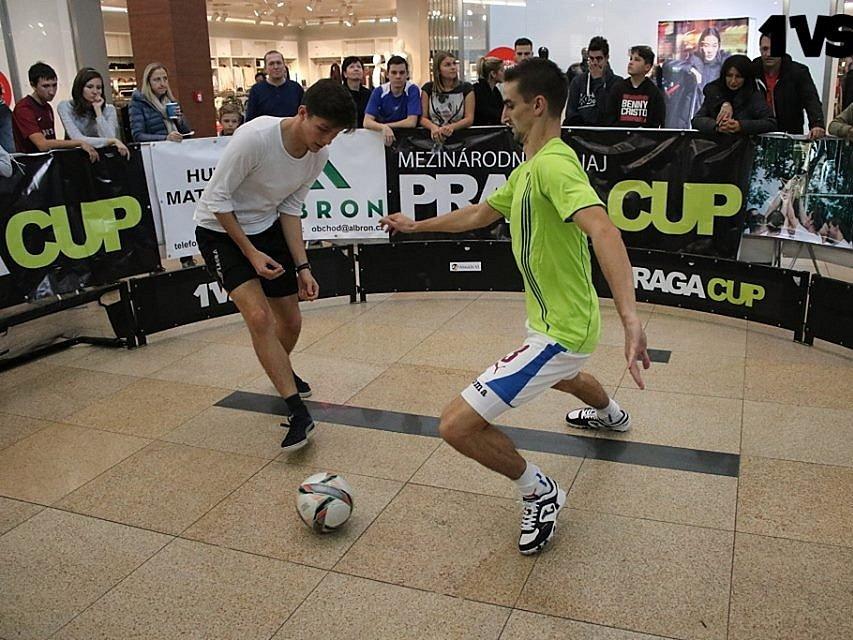 Mistrovství republiky ve fotbale jeden na jednoho.