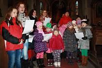 Zpívání u jesliček v kostele svaté Markéty v Městci Králové