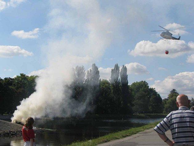 Ukázka leteckého hašení