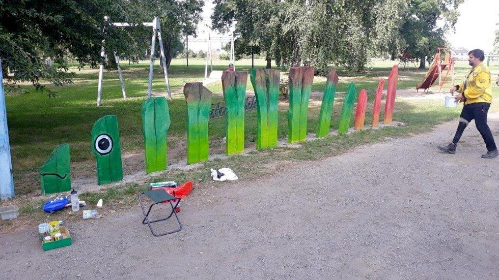 Část kmenů z pokácených topolů bude v Nymburce sloužit jako herní prvky nebo městský mobiliář.