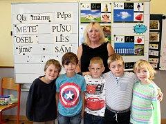 Základní škola Straky, třídní učitelka Věra Pospíšilová