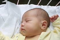 VERONIKA, VERUNKA. Veronika MACHOVÁ se narodila 26. června 2015. Prvně se rozhlédla po světě pouhé 4 minuty po půlnoci a překvapila rodiče Soňu a Jaroslava i třináctiletou sestru Sáru. Abychom nezapomněli, vážila 4 110 g a měřila 51 cm.