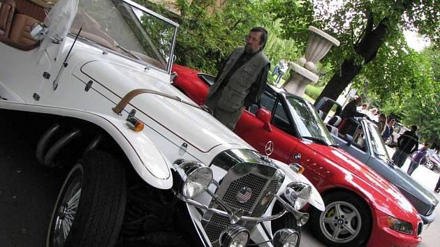 V Poděbradech se konal mezinárodní sraz kabrioletů
