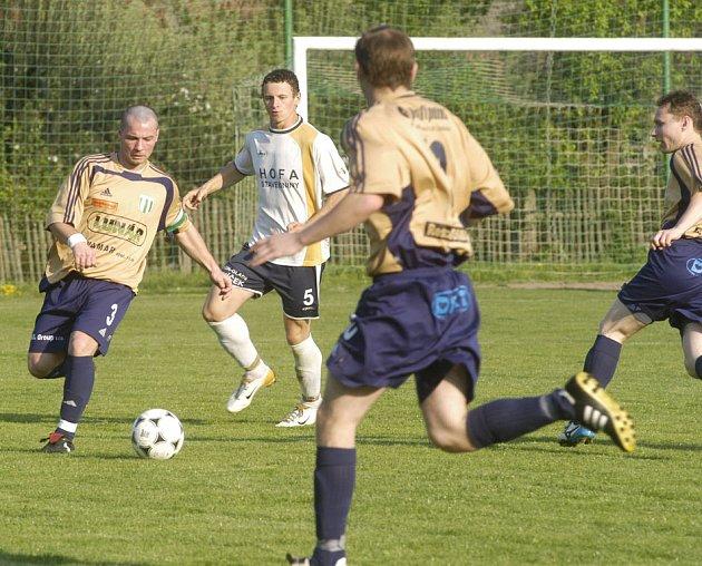 Fotbalisté Trnavanu pomýšleli na postup už v minulých sezonách. Letos tomu podřídili vše a postup do krajského přeboru se jim povedl.