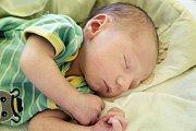 MATYÁŠ JAROLÍM se narodil 21. prosince 2018 v 16.47 hodin s délkou 50 cm a váhou 3 410g. Matyáš má rodiče Adrianu a Michala, kteří si ho odvezli do Přerova nad Labem, kde na něho čekala sestřička Vaneska (2 roky).