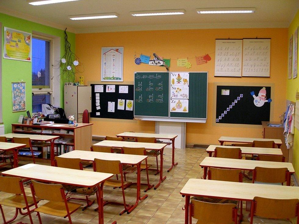 Tyto třídy v budově na náměstí Svobody musela část městeckých školáků dočasně opustit.