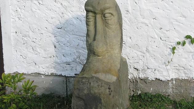 Poznáte, ze které obce na Nymbursku jsou vyfocené detaily?