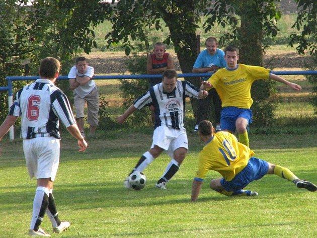 Fotbalisté Krchleb prohráli na svém trávníku s celkem Hrubého Jeseníku. Od soupeře dostali šest branek