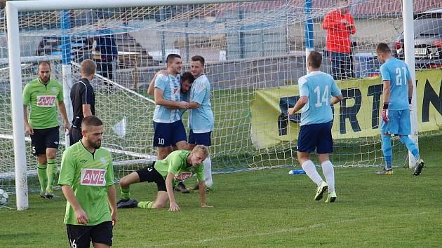 Z divizního fotbalového utkání Poříčany - Benátky nad Jizerou (2:3)